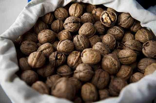 walnut oil uses